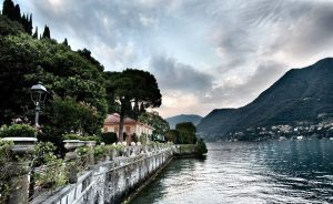 Villa on Lake Como with a romantic garden