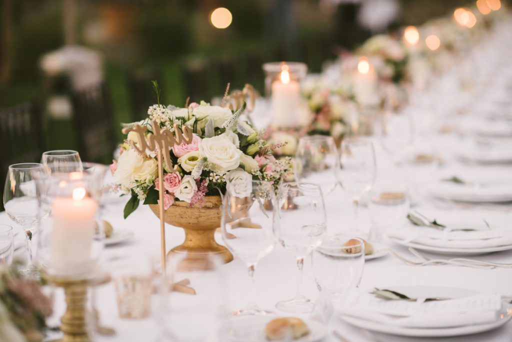 blush table decor in Florence. getting married in a villa in florence.