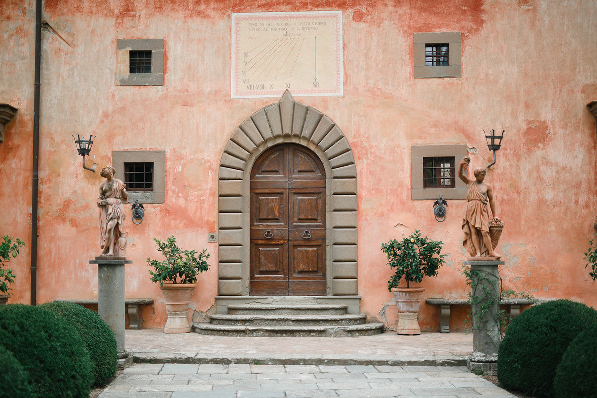 getting married in Villa Vignamaggio. destination wedding in vignamaggio