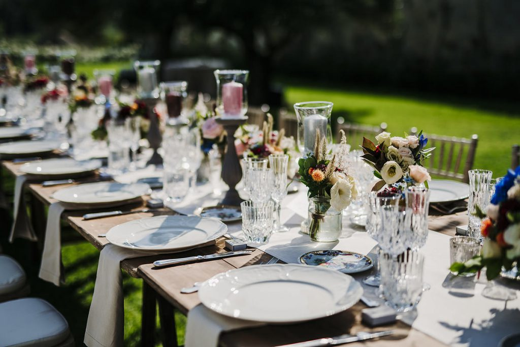 colorful table decor for a romantic wedding dinner in Florence