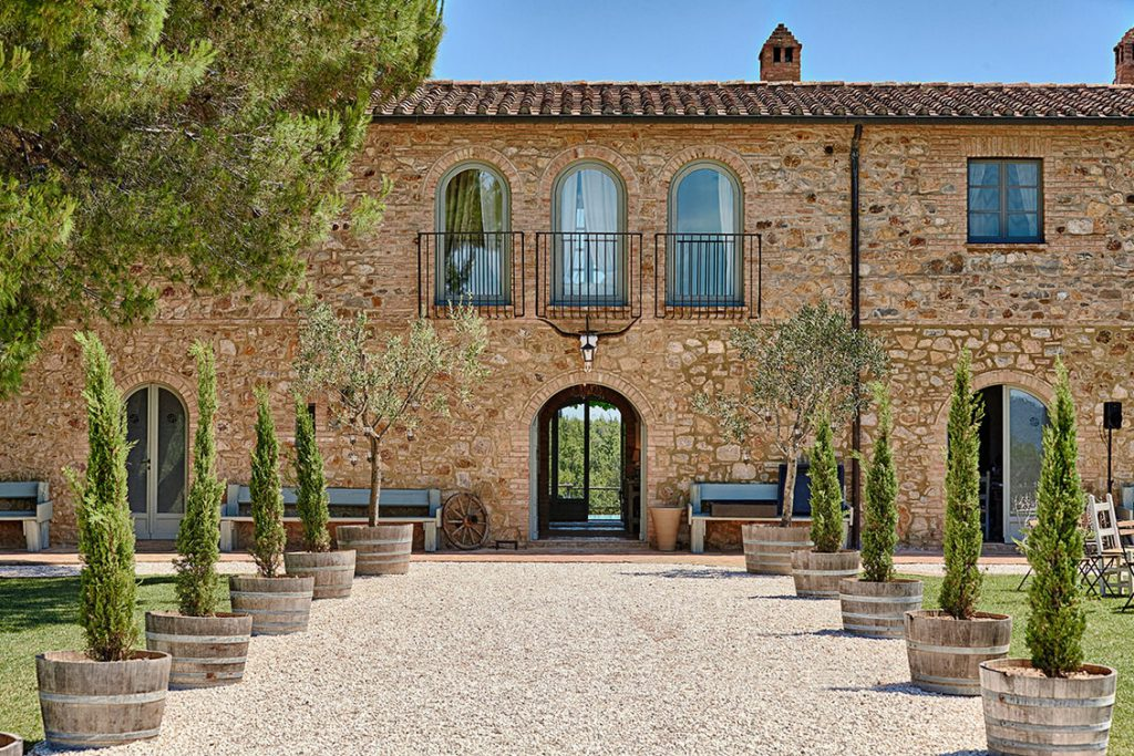 villa for wedding in tuscany boutique hotel to get married in tuscany destionation wedding in tuscany